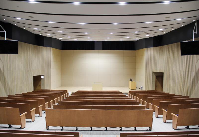 北海道大学大学院工学研究院 フロンティア応用科学研究棟2F鈴木章ホール